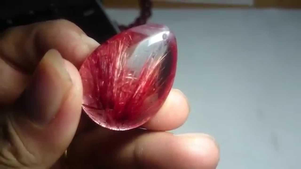 Cách chọn vòng đá thạch anh tóc đỏ hợp phong thủy