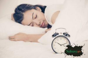 Làm sao để rèn luyện thói quen đi ngủ sớm vào buổi tối