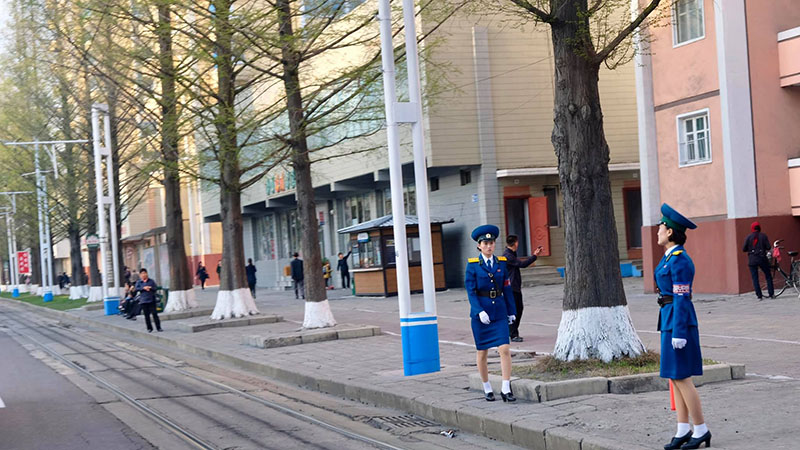 Cảnh sát giao thông thay ca ở Triều Tiên
