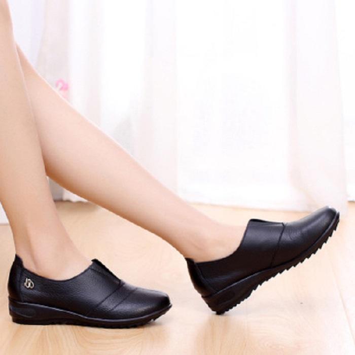 Lựa chọn cửa hàng để mua giày
