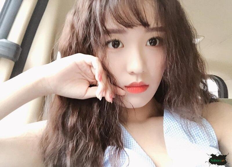 Girl Hàn Han Sara