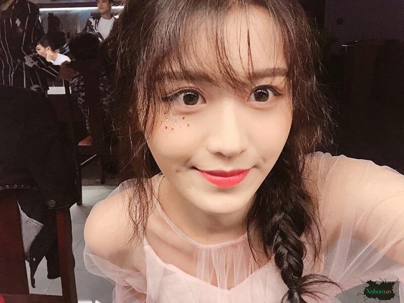 Han Sara makeup
