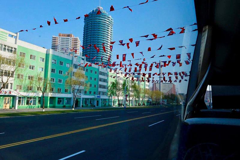 Không gian đường vắng vẻ ở Bình Nhưỡng