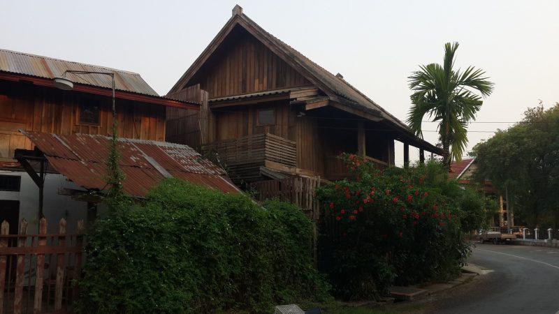 Những mái nhà ở Luang Prabang