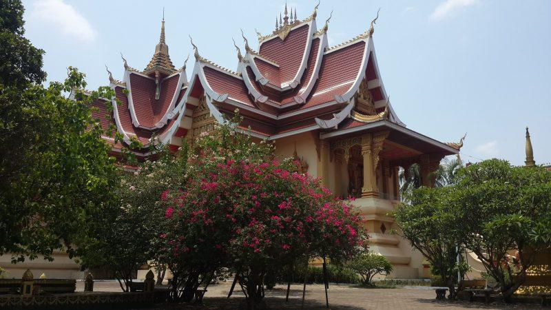 Quần thể xung quanh chủa That Luang