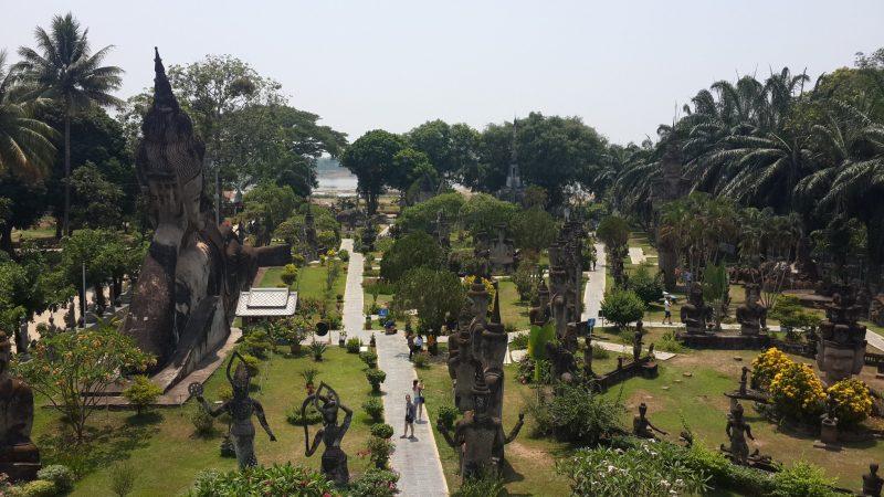 Vườn tượng Phật, Lào