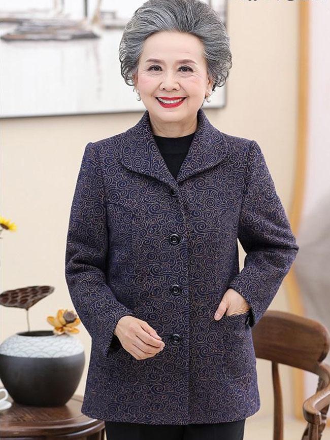 cách chọn áo khoác cho người lớn tuổi