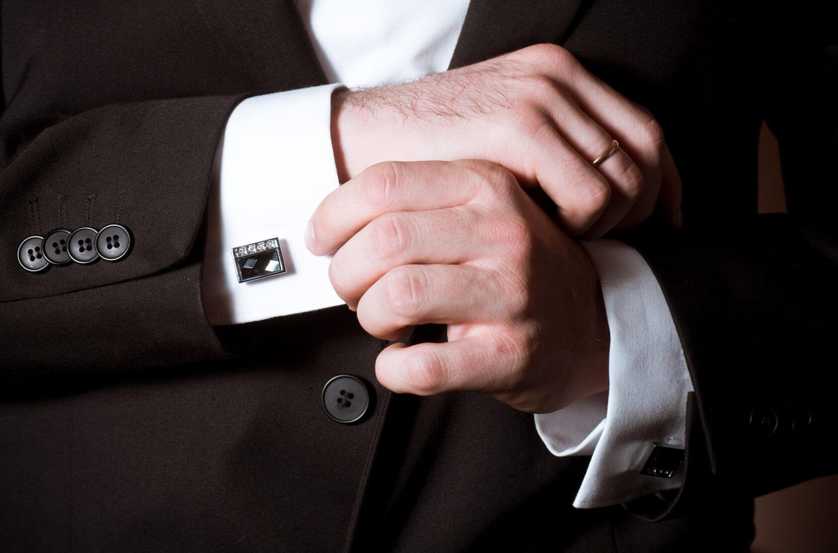 Tay áo măng séc (cufflinks) sang trọng