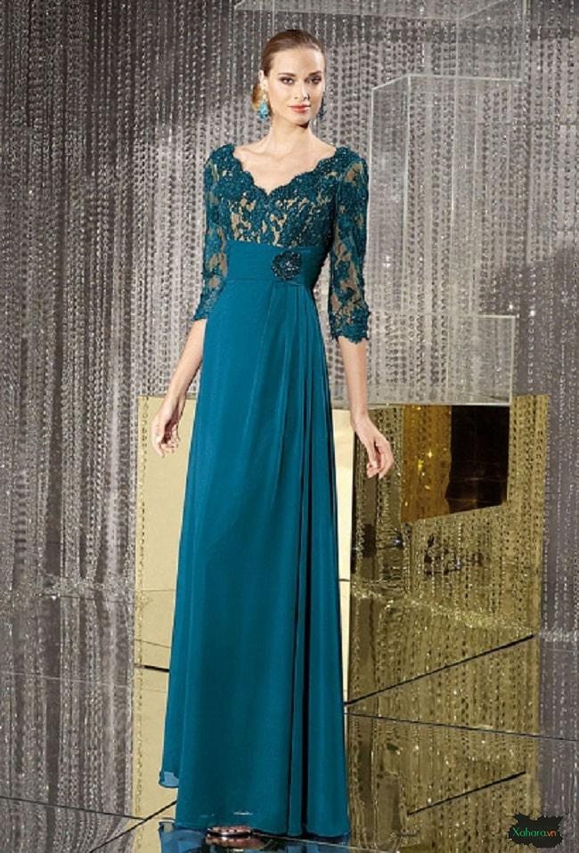 Đầm dài là lựa chọn tốt nhất cho quỹ bà, quý cô trong những bữa tiệc.