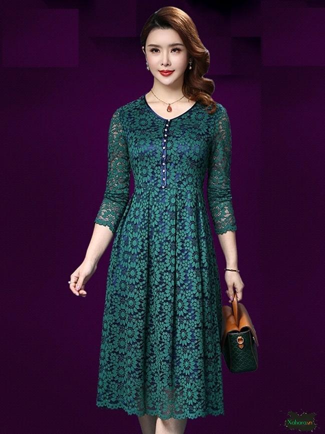 Đầm ren trung niên Hàn Quốc mang đến sự quý phái, sang trọng.