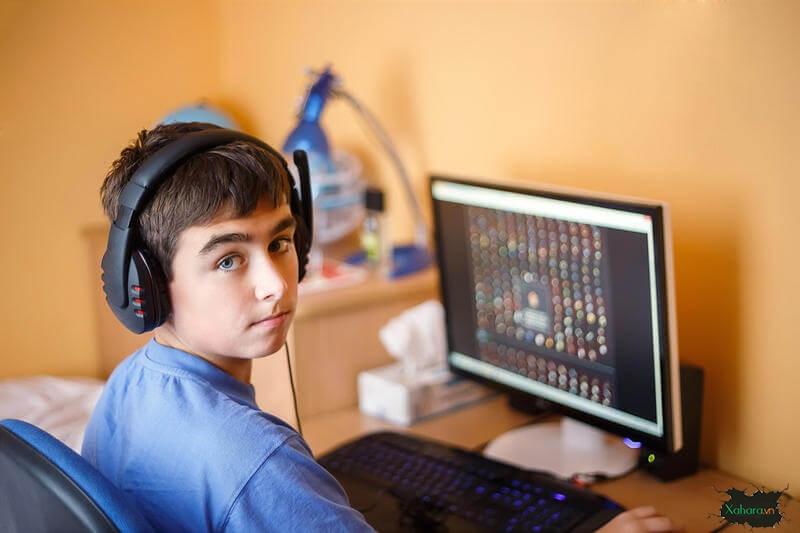 Cách kiểm soát trẻ sử dụng thiết bị công nghệ và internet hiệu quả