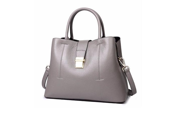 Túi xách cho phụ nữ tuổi 50