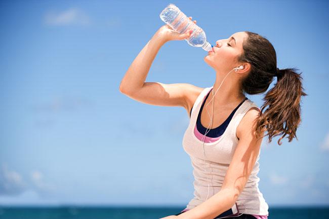 tác hại của việc không uống đủ nước đối với con người