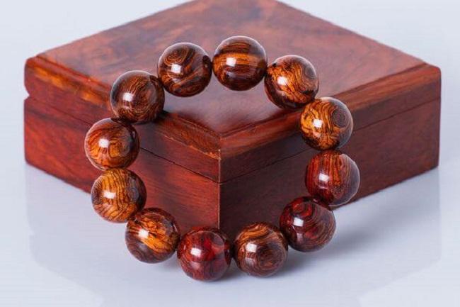 Vòng đeo tay phong thuỷ Phật giáo hay còn gọi là Phật châu.